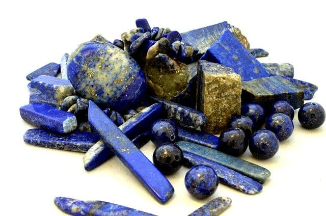 Sodalite vs Lapis Lazuli: What's the difference?